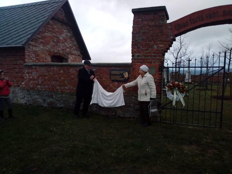 Hřbitov v Dolní Lipce