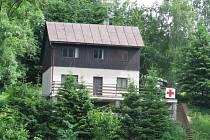 Sídlo vodní záchranné služby na břehu Pastvinské přehrady.