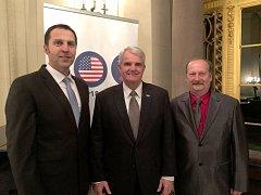 Starostové navštívili velvyslanectví USA.