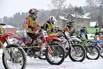 Závod MČR v motoskijöringu v Klášterci nad Orlicí.