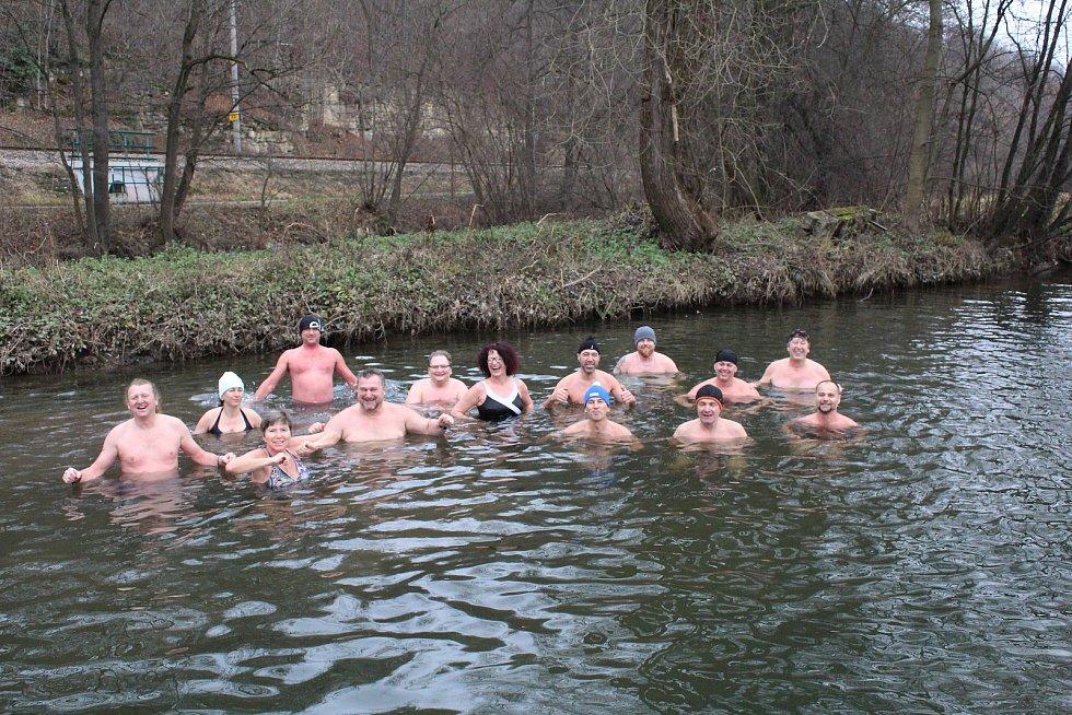 Českotřebovští otužilci si pravidelně jezdí zaplavat i do Cakle v Ústí nad Orlicí.