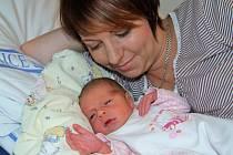 Eliška Vondráčková se s hmotností 3,130 kg narodila 30. dubna v 0.29 hodin. Radost z holčičky mají rodiče Monika a Jan i sestra Adélka z Tatenic.