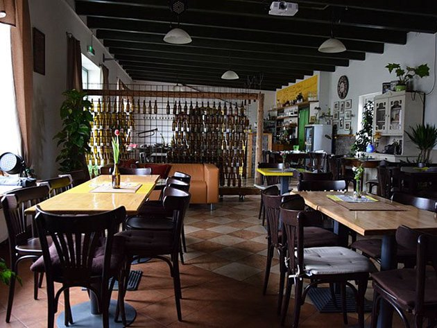 Kinobar Jednička v Žamberku.