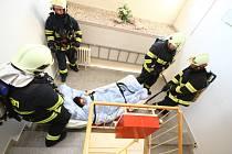 Námětové cvicení: požár v ústeckém domově důchodců.