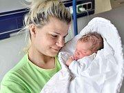 Vanesa Anna Ulrichová bude doma s rodiči Nikolou Motyčkovou a Jakubem Ulrichem v Žamberku. Na svět přišel s váhou 3,320 kg 13. července v 1.59 hodin.