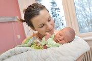 Tobias Mlíčka, tak se jmenuje syn Moniky a Aleše ze Žamberka. Když se 8. 1. v 17.01 hodin narodil, vážil 3,710 kg.