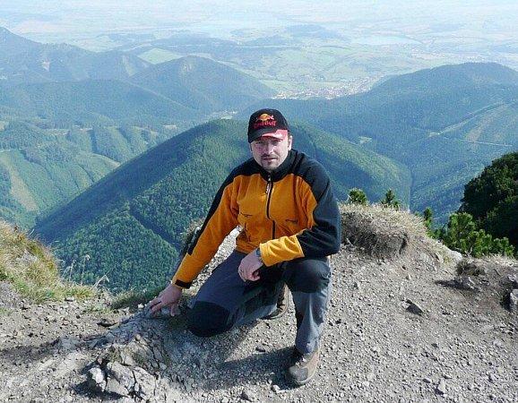 Martin Vídenský, básník zLetohradu, na vrcholu slovenského Velkého Choče (snímek zletošního září).