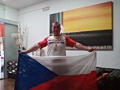 Čekání na velkou medaili Vladimír Nebola neprotáhl. Na krk si pověsil tu vůbec nejcennější.