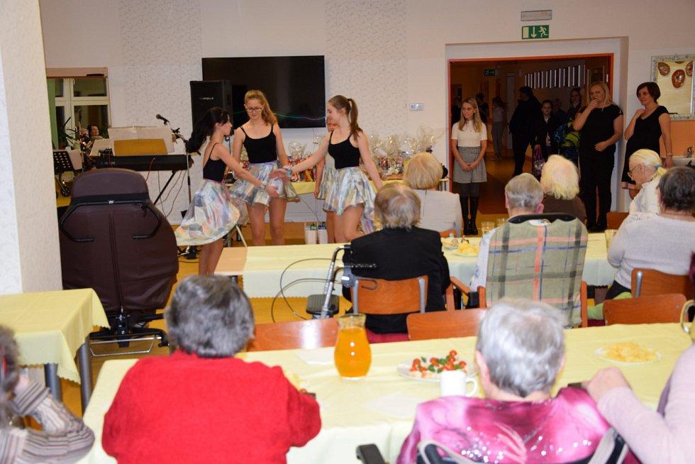 Ples seniorů ve Vysokém Mýtě