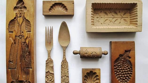 Výrobky ze dřeva ze sbírek Městského muzea Žamberk.