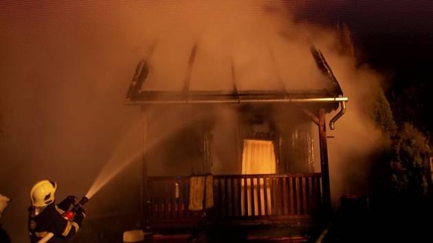 Požár chatky na Lanškrounsku.