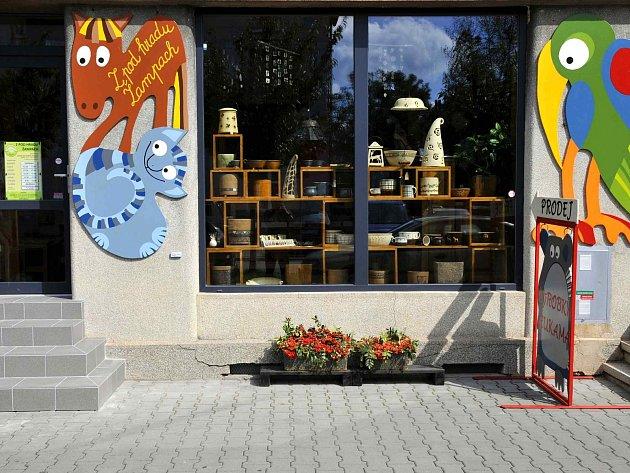 """""""Z pod hradu Žampach"""" je název nových výstavních prostor v Letohradu."""