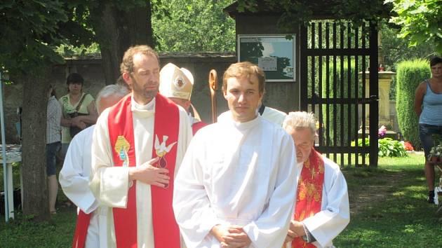 Z oslav 150. výročí kaple sv. Vavřince v Květné.
