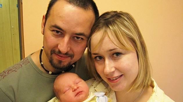 Ondřej Dvořák je prvním potomkem manželů Martiny a Michala Dvořákových z Ústí. Narodil se jim 22. 12 v 17.33 hodin, kdy vážil 3,65 kg.
