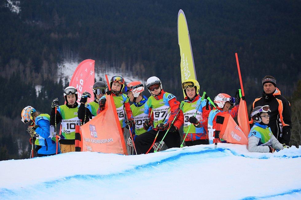 Na Dolní Moravě si to rozdali o medaile skicrossaři.