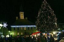 Rozsvícení vánoční stromu v Žamberku.