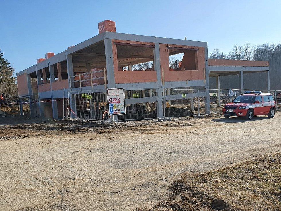 Výstavba nové požární stanice v Žamberku pokračuje.