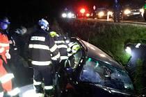Ve středu v noci u Vysokého Mýta zasahovali hasiči u těžké dopravní nehody osobního vozidla.
