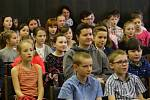 OKRESNÍ KOLO Dětské scény 2018 je minulostí. Přehlídku dětských recitátorů v úterý a ve středu hostil ústecký kulturní dům a zúčastnilo se jí na 120 dětí z téměř 20 škol Orlickoústecka a okolí. Soutěž byla rozdělena do čtyř věkových kategorií a nulté kate