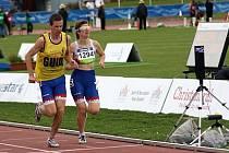Jako jeden člověk běželi ve finále světového šampionátu na 800 metrů Miroslava Sedláčková a její parťák Michal Procházka. Držitelé světového rekordu na patnáctistovce opět neměli konkurenci.