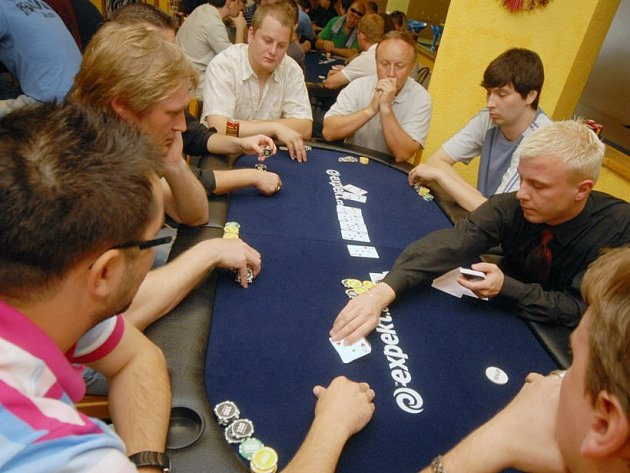 Z pokerového turnaje.
