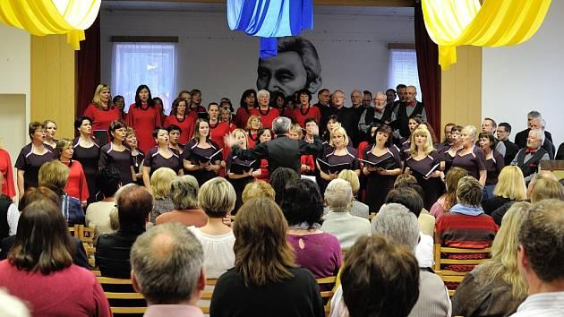 Společný koncert pěveckých sborů Bendl z České Třebové a Ještěd z Liberce.