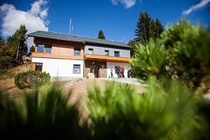 Z otevření nové stanice Horské služby v Čenkovicích.