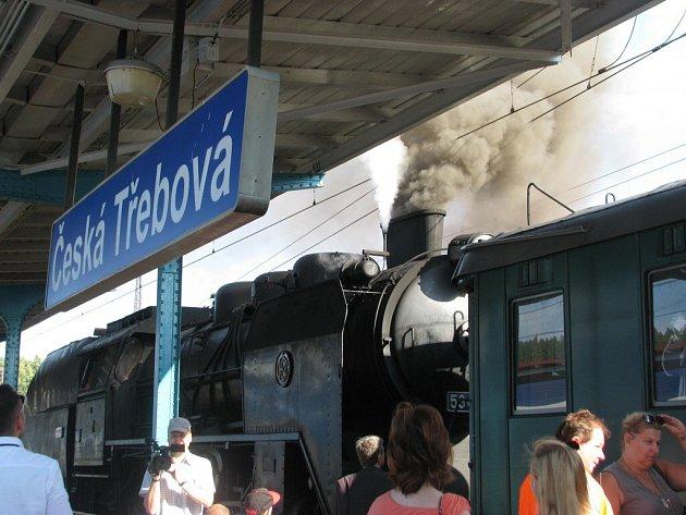 Historický vlak Králický Sněžník bude až do 17. září každou sobotu vozit cestující mezi Českou Třebovou a Červeným Potokem.