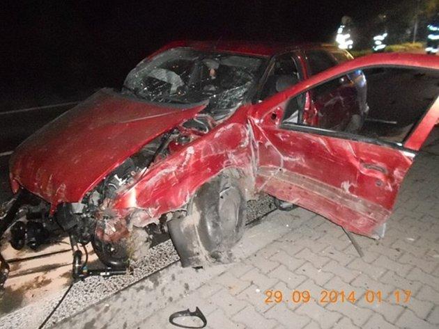 Následky dopravní nehody ve Vysokém Mýtě.