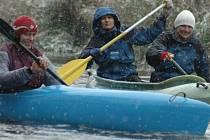 Letos naposledy sjedou vodáci Tichou Orlicí, aby ji na zimu symbolicky uzamkli.