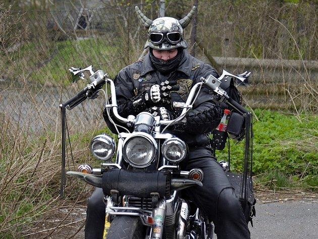 Motorkáři si ve Třebové naplno užívali jara.