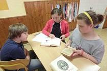Sopotnická škola si připomněla stošedesáté výročí prvního vydání Babičky.