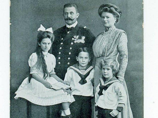 František Ferdinand d'Este s rodinou.