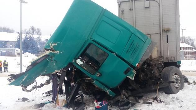 Nehoda vlaku a nákladního auta v Letohradu.