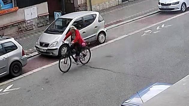 Znáte možnou svědkyni nehody?