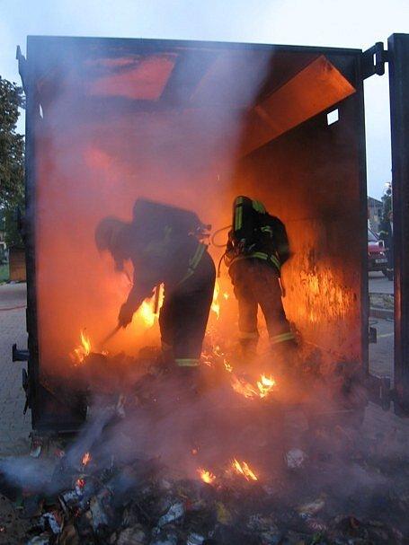 Požár kontejneru.