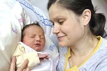 Ema Brůnová je na světě od 21. listopadu od 6.01 hodin. Radují se z ní rodiče Kateřina a Zdeněk z Červené Vody. Holčička vážila 3,3 kg.
