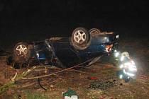 Dopravní nehoda na Vysokomýtsku. Řidičku museli z auta vyprostit hasiči.