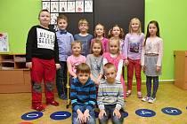 Žáci ze Základní školy Klášterec nad Orlicí s paní učitelkou Marií Leksovou.
