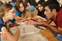 Ekocentrum Paleta v Oucmanicích hostí mezinárodní setkání ochránců přírody. Učí se komunikaci s médii na environmentální témata.