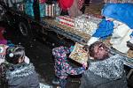 Kamion vánočních dárků.