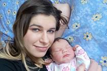 Adéla Verová se narodila s váhou 3790 g dne 24. 2. v 21.48 hodin. Doma v Kerharticích bude těšit rodiče Žanetu a Adama i bráchu Daniela.