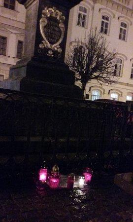 Pietní místo na Starém náměstí vČeské Třebové.