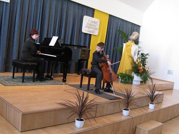 Heranova violoncellová soutěž.