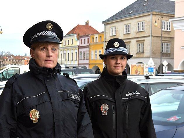 U Městské policie v Litomyšli pracuje Jana Bulvová a Karolína Sokolová.