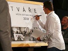 V Malé scéně byl představen kalendář Tváře města Ústí nad Orlicí 2018.