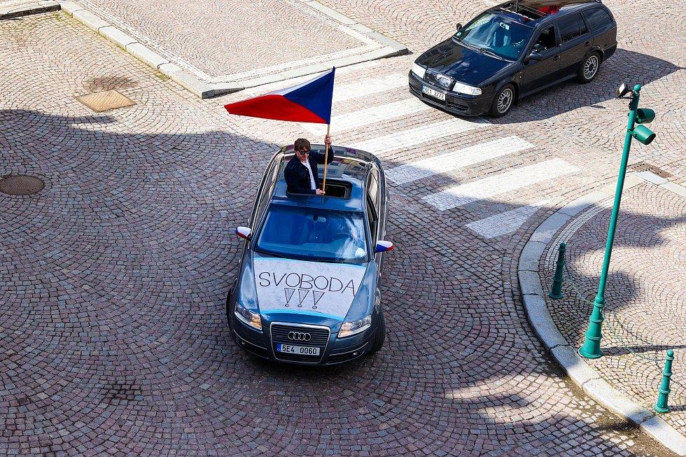 Protestní jízda po vysokomýtském náměstí,