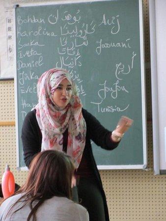 Projekt Edison: zahraniční studenti besedovali sústeckými gymnazisty.