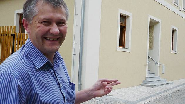 Do Evropského domu v Králíkách zval v sobotu zájemce také Dušan Krabec, jednatel společnosti Králická rozvojová, která vyhrála soutěž na jeho provozování.