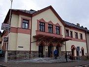 Z otevření kina v Jablonném nad Orlicí.